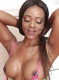 Super Hot Ebony Babe Jaime Sexing It Up Doing Laundry